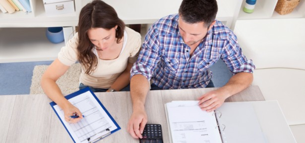 how-to-make-splitting-your-finances-as-a-couple-easier